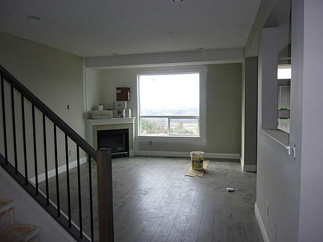 """Photo 4: Photos: 23 6026 LINDEMAN Street in Sardis: Promontory Townhouse for sale in """"HILLCREST LANE"""" : MLS®# H1400604"""