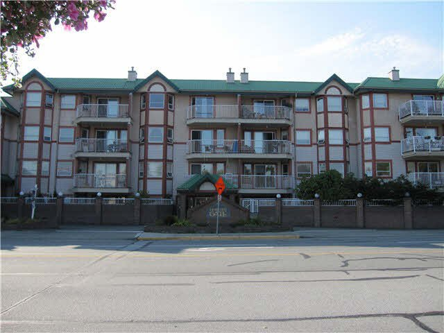 "Main Photo: 443 22661 LOUGHEED Highway in Maple Ridge: East Central Condo for sale in ""GOLDEN EARS GATE"" : MLS®# V1086025"
