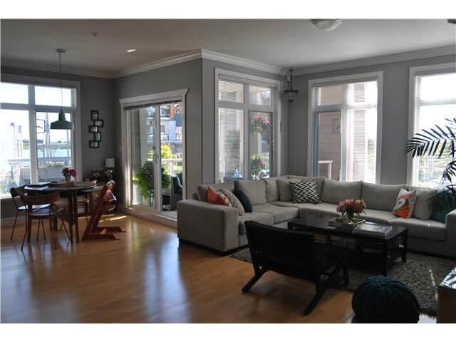 """Main Photo: 201 4211 BAYVIEW Street in Richmond: Steveston South Condo for sale in """"THE VILLAGE AT IMPERIAL LANDING"""" : MLS®# V1136554"""