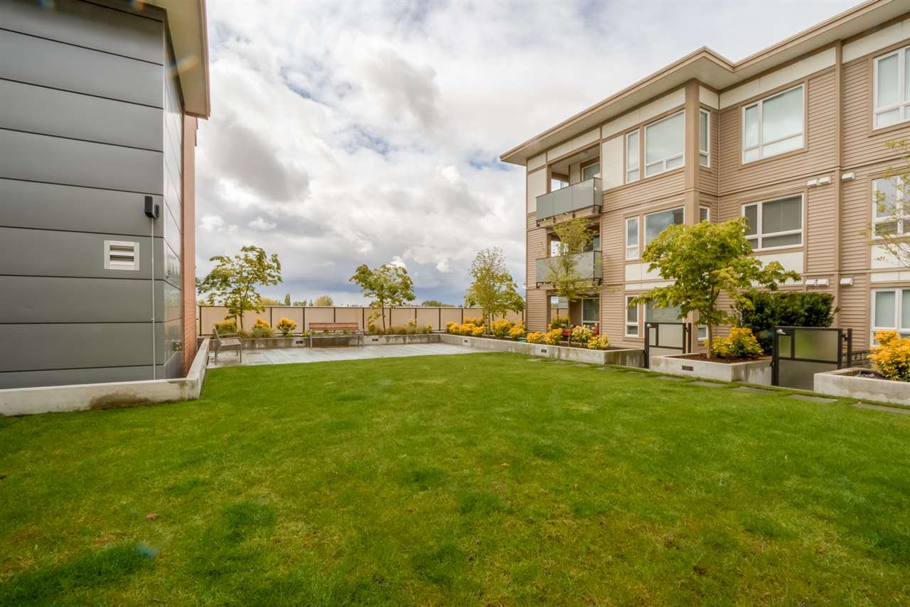 "Photo 14: Photos: 217 12339 STEVESTON Highway in Richmond: Ironwood Condo for sale in ""THE GARDENS - MAGNOLIA"" : MLS®# R2024669"