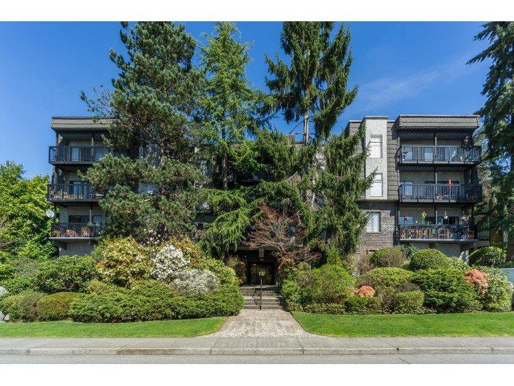 """Main Photo: 210 150 E 5TH Street in North Vancouver: Lower Lonsdale Condo for sale in """"NORMANDY HOUSE"""" : MLS®# R2051568"""