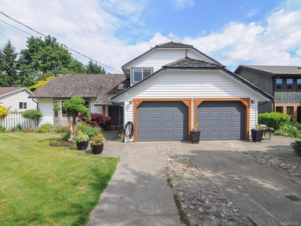Main Photo: 1726 Tofino Pl in COMOX: CV Comox (Town of) House for sale (Comox Valley)  : MLS®# 731586