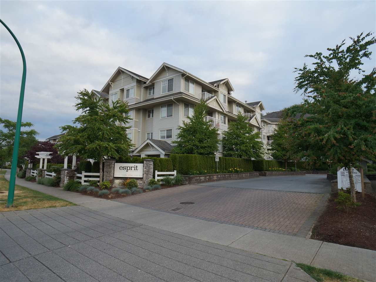 "Main Photo: 307 19340 65 Avenue in Surrey: Clayton Condo for sale in ""Esprit"" (Cloverdale)  : MLS®# R2072065"