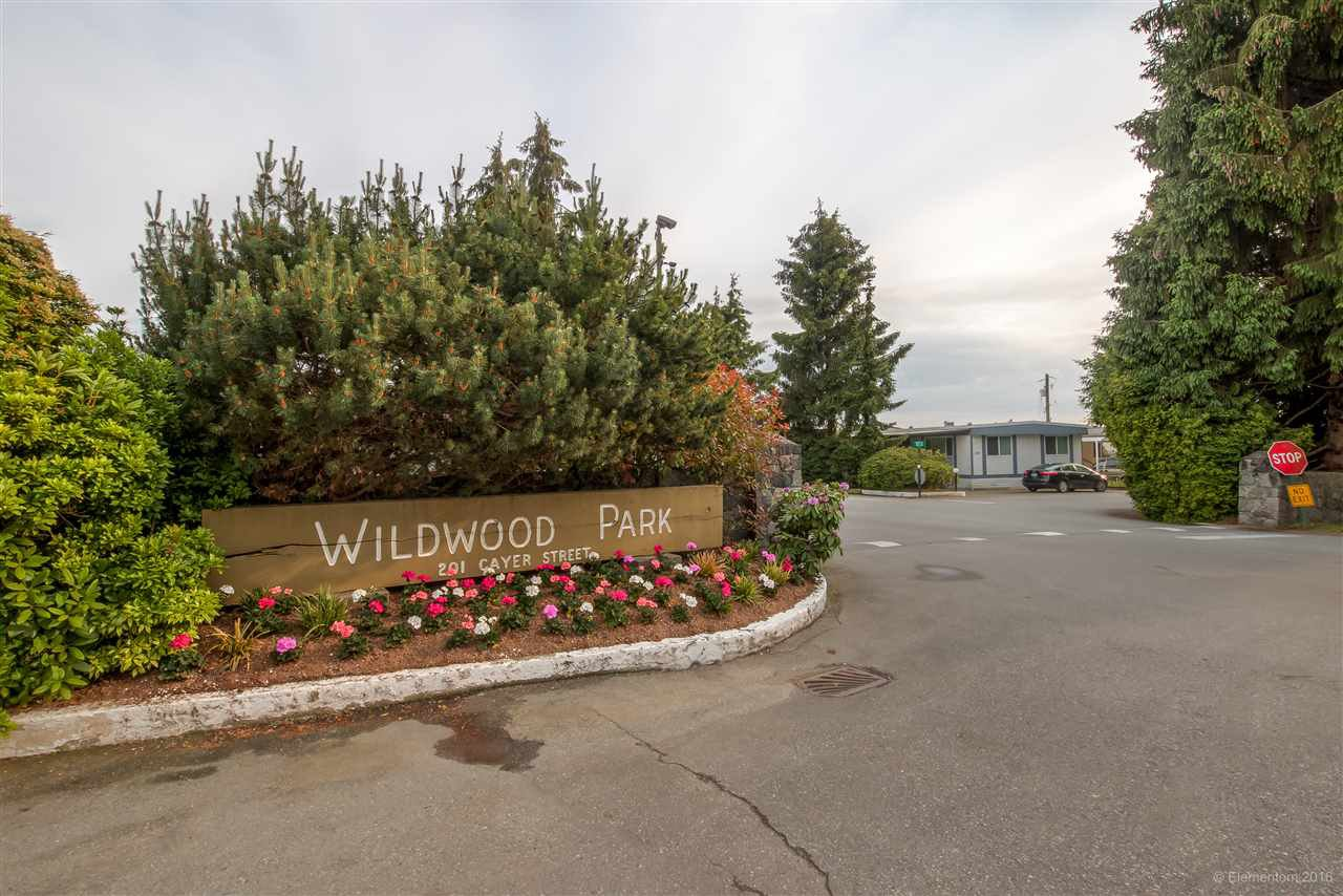 """Main Photo: 208 201 CAYER Street in Coquitlam: Maillardville Manufactured Home for sale in """"WILDWOOD PARK"""" : MLS®# R2073822"""