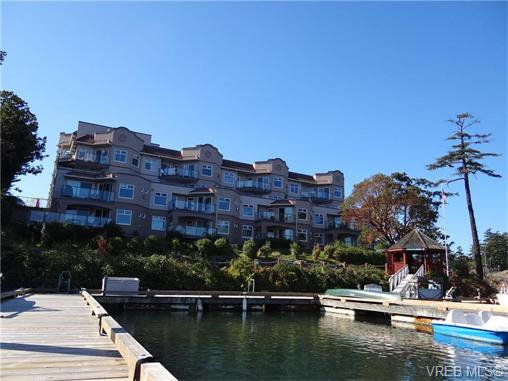 Main Photo: 411 1083 Tillicum Rd in VICTORIA: Es Kinsmen Park Condo for sale (Esquimalt)  : MLS®# 743444