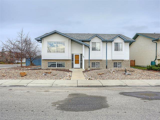 Main Photo: 191 STRATHAVEN Crescent: Strathmore House for sale : MLS®# C4088087