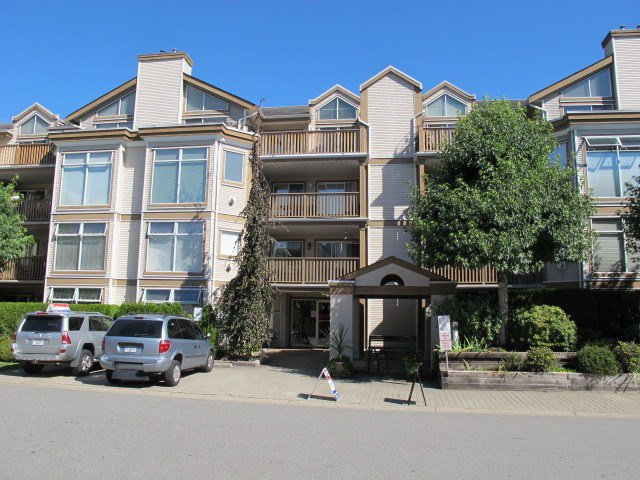 "Main Photo: 405 19131 FORD Road in Pitt Meadows: Central Meadows Condo for sale in ""WOODFORD MANOR"" : MLS®# R2123164"