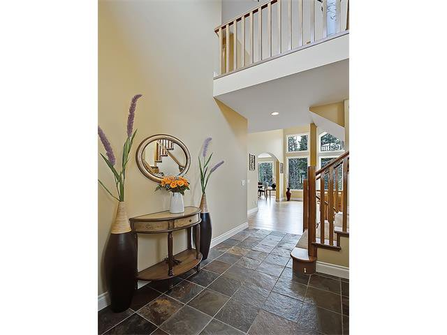 Photo 6: Photos: 18 DISCOVERY RIDGE Heath SW in Calgary: Discovery Ridge House for sale : MLS®# C4110959