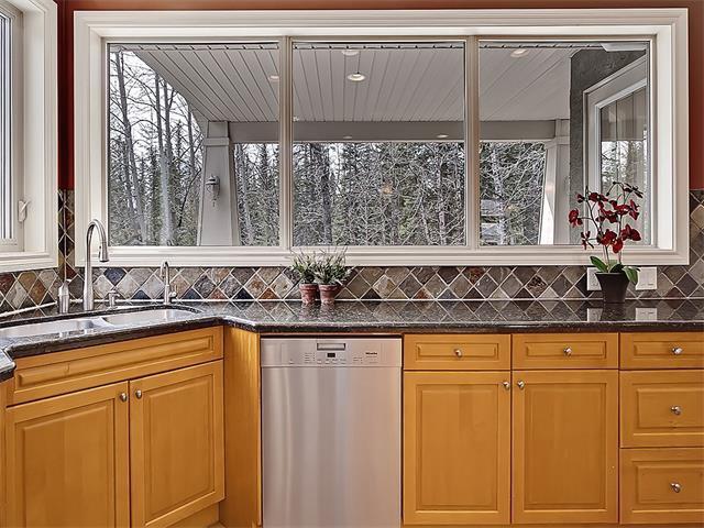 Photo 13: Photos: 18 DISCOVERY RIDGE Heath SW in Calgary: Discovery Ridge House for sale : MLS®# C4110959