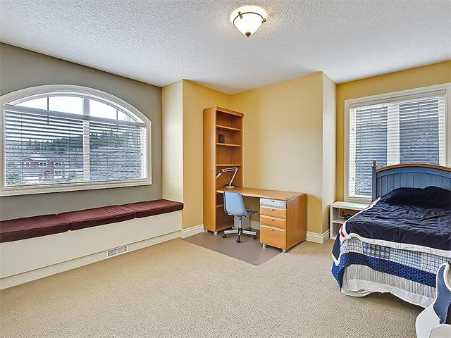 Photo 38: Photos: 18 DISCOVERY RIDGE Heath SW in Calgary: Discovery Ridge House for sale : MLS®# C4110959