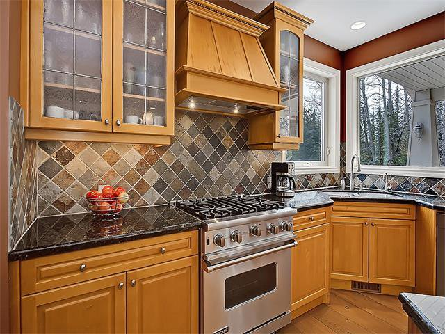 Photo 12: Photos: 18 DISCOVERY RIDGE Heath SW in Calgary: Discovery Ridge House for sale : MLS®# C4110959