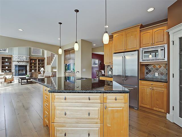 Photo 14: Photos: 18 DISCOVERY RIDGE Heath SW in Calgary: Discovery Ridge House for sale : MLS®# C4110959