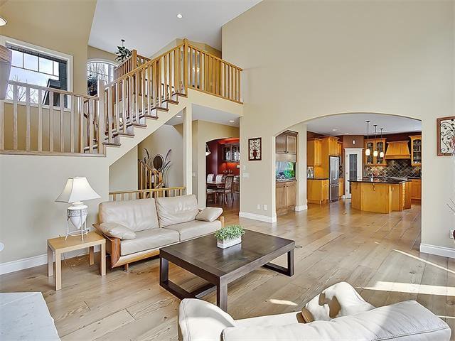 Photo 25: Photos: 18 DISCOVERY RIDGE Heath SW in Calgary: Discovery Ridge House for sale : MLS®# C4110959