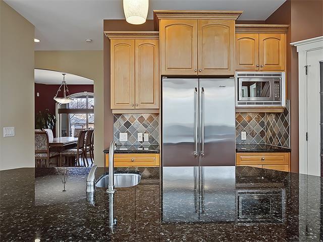 Photo 17: Photos: 18 DISCOVERY RIDGE Heath SW in Calgary: Discovery Ridge House for sale : MLS®# C4110959