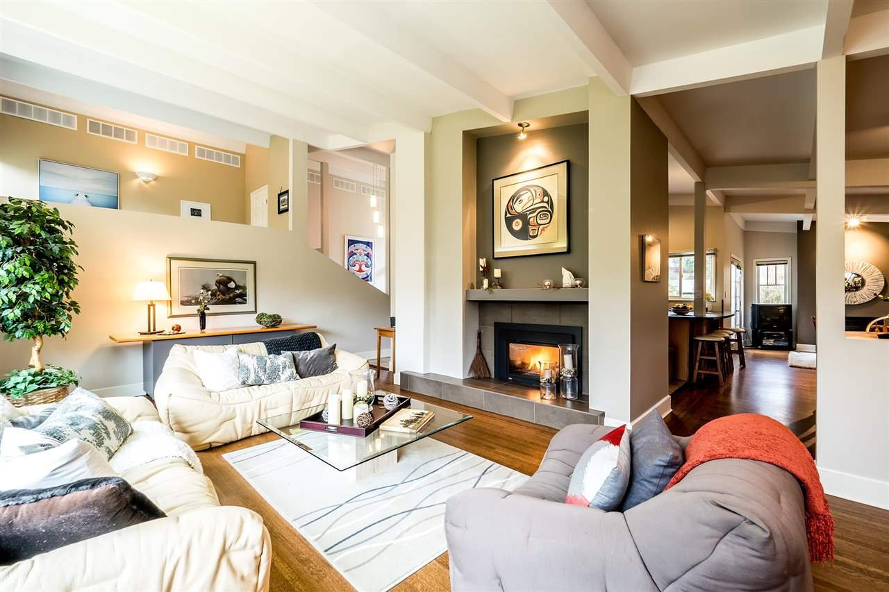 Main Photo: 1401 GREENBRIAR WAY in North Vancouver: Edgemont House for sale : MLS®# R2143736