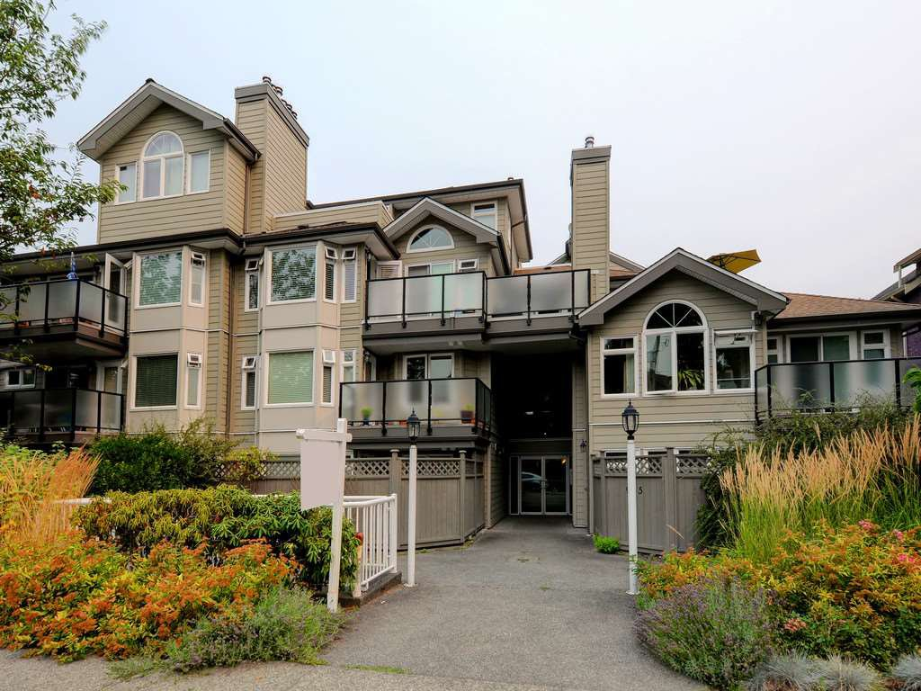Main Photo: 418 965 W 15TH Avenue in Vancouver: Fairview VW Condo for sale (Vancouver West)  : MLS®# R2195232