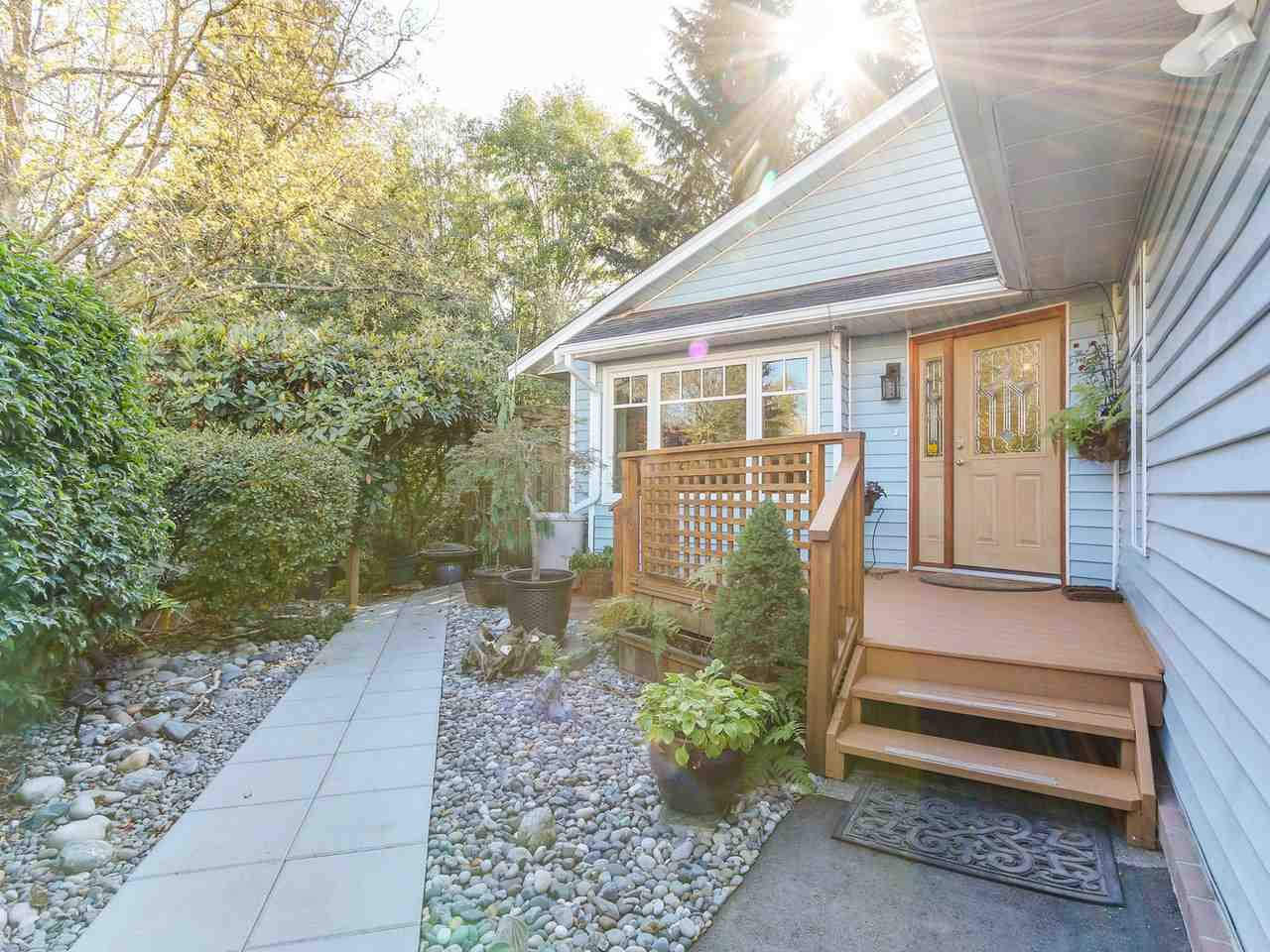 Main Photo: 2834 MCCOOMB Drive in Coquitlam: Eagle Ridge CQ House for sale : MLS®# R2211542