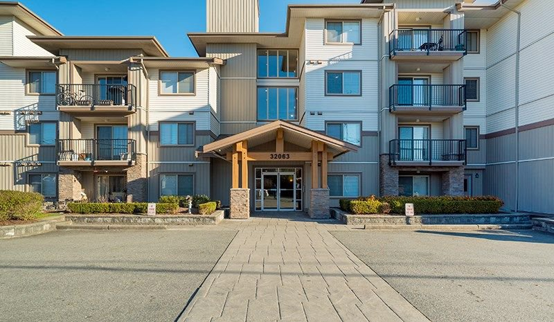Main Photo: 109 32063 MT WADDINGTON AVENUE in Abbotsford: Abbotsford West Condo for sale : MLS®# R2249050