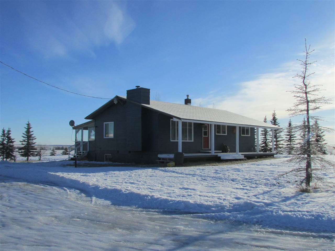 "Main Photo: 14822 ROSE PRAIRIE Road in Fort St. John: Fort St. John - Rural W 100th House for sale in ""NORTH PINE"" (Fort St. John (Zone 60))  : MLS®# R2335968"