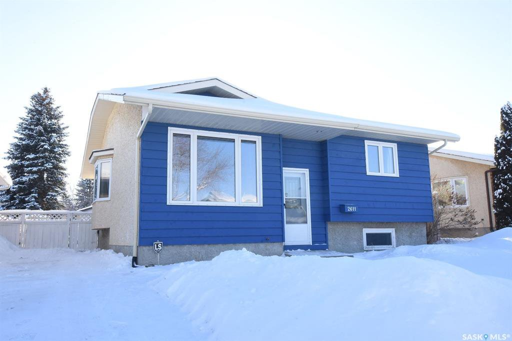 Main Photo: 2611 Truesdale Drive East in Regina: Wood Meadows Residential for sale : MLS®# SK759200