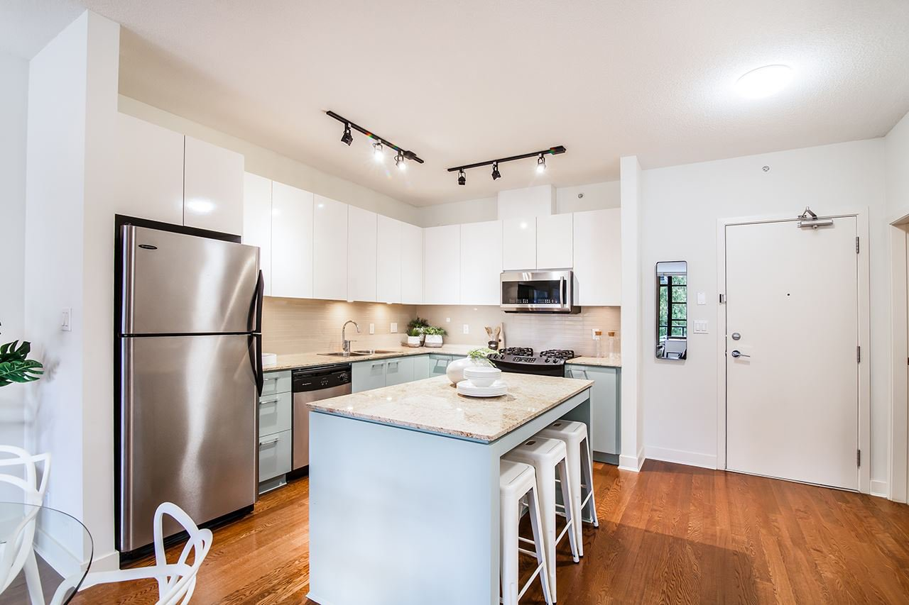 "Photo 4: Photos: 309 2828 YEW Street in Vancouver: Kitsilano Condo for sale in ""Bel-Air"" (Vancouver West)  : MLS®# R2341848"