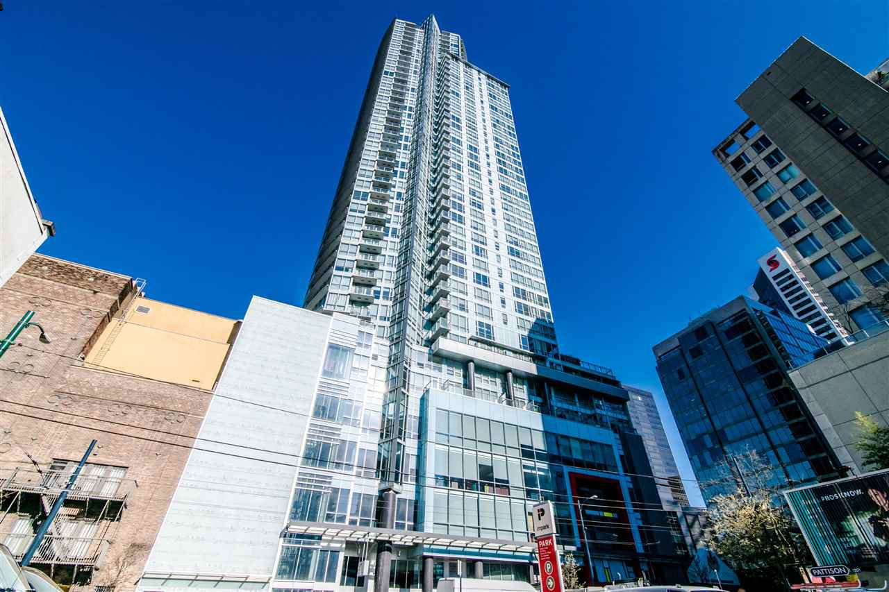 "Main Photo: 2811 833 SEYMOUR Street in Vancouver: Downtown VW Condo for sale in ""CAPITOL RESIDENCE"" (Vancouver West)  : MLS®# R2357159"