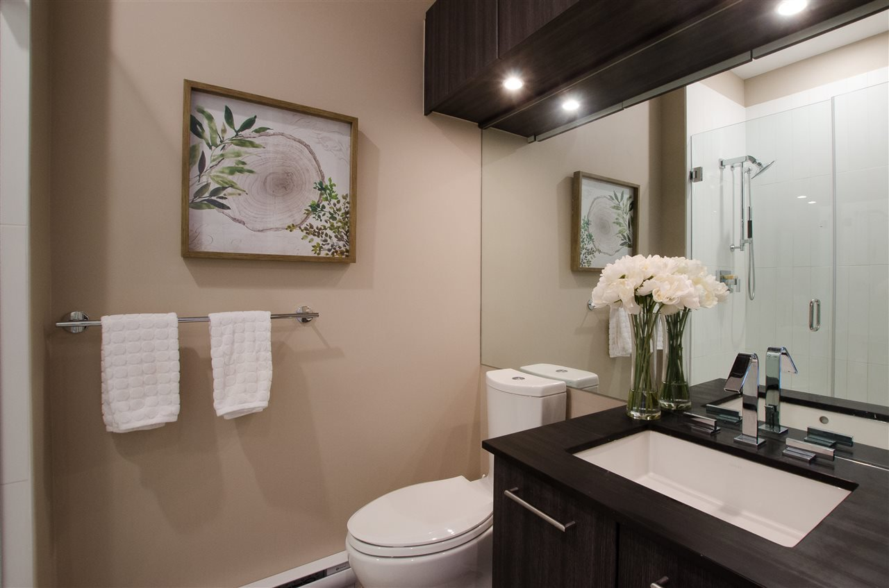 """Photo 13: Photos: 316 220 SALTER Street in New Westminster: Queensborough Condo for sale in """"GLASSHOUSE"""" : MLS®# R2357934"""