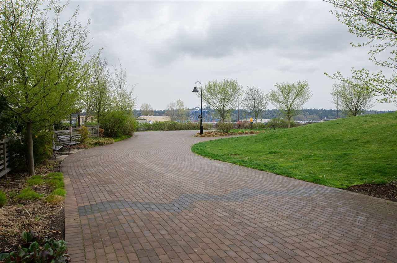 """Photo 17: Photos: 316 220 SALTER Street in New Westminster: Queensborough Condo for sale in """"GLASSHOUSE"""" : MLS®# R2357934"""