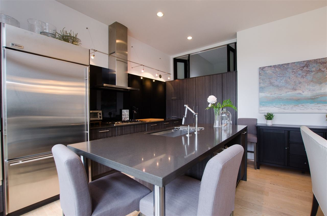 """Photo 5: Photos: 316 220 SALTER Street in New Westminster: Queensborough Condo for sale in """"GLASSHOUSE"""" : MLS®# R2357934"""