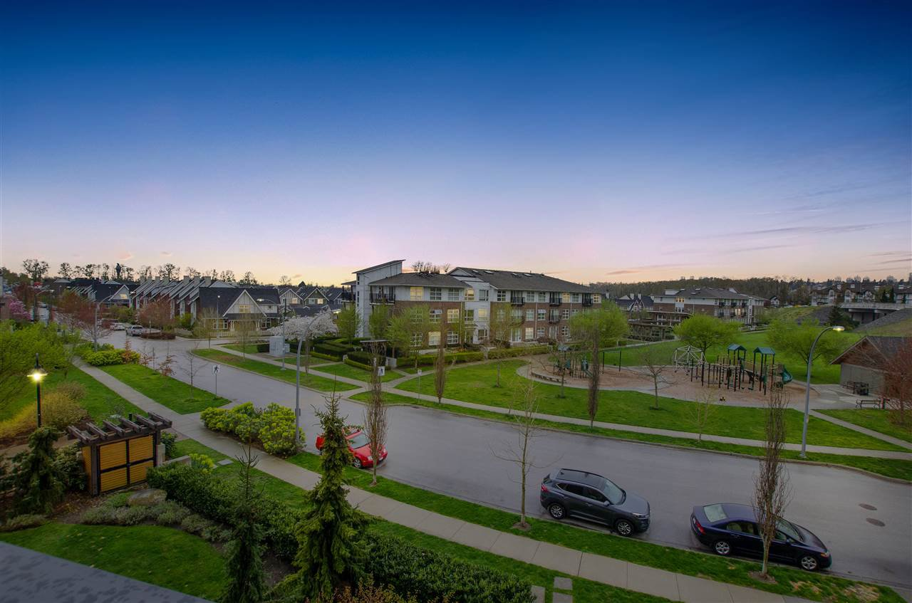 """Photo 16: Photos: 316 220 SALTER Street in New Westminster: Queensborough Condo for sale in """"GLASSHOUSE"""" : MLS®# R2357934"""