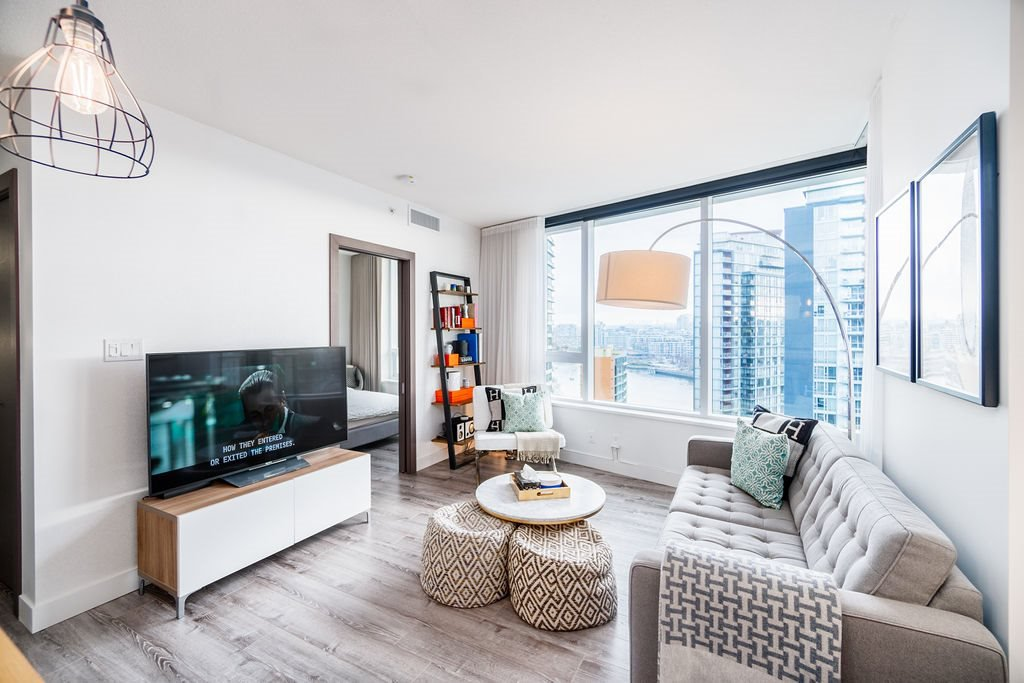 "Photo 3: Photos: 1757 38 SMITHE Street in Vancouver: Downtown VW Condo for sale in ""ONE PACIFIC"" (Vancouver West)  : MLS®# R2388568"
