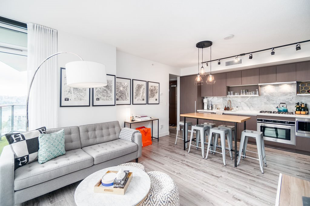 "Photo 2: Photos: 1757 38 SMITHE Street in Vancouver: Downtown VW Condo for sale in ""ONE PACIFIC"" (Vancouver West)  : MLS®# R2388568"
