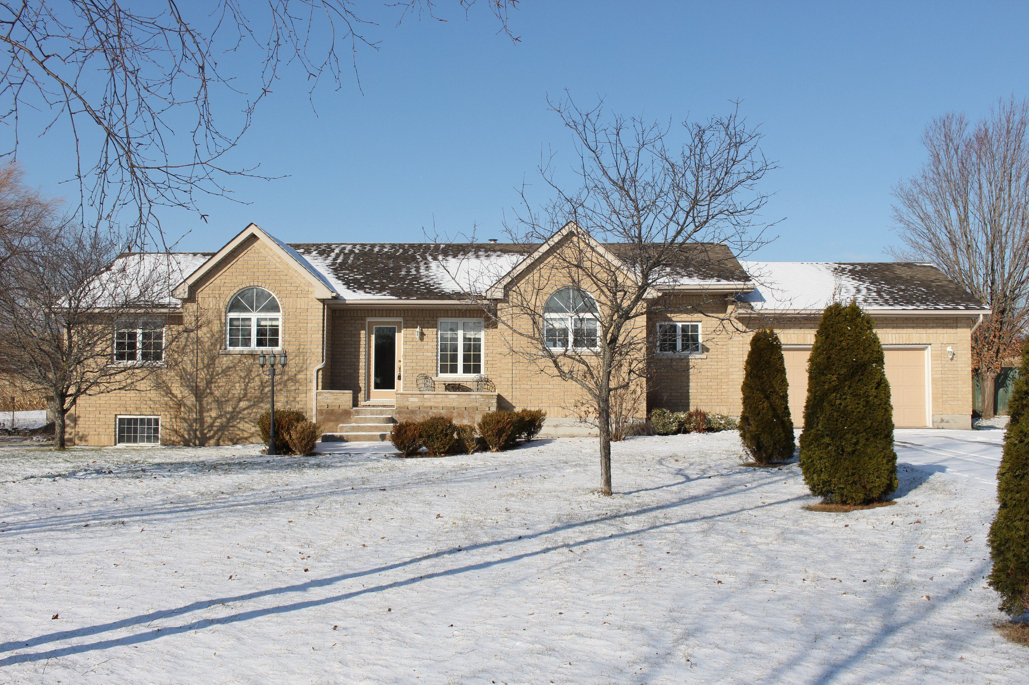 Main Photo: 8524 Dale Rd in Hamilton Twp: Residential Detached for sale : MLS®# 236443