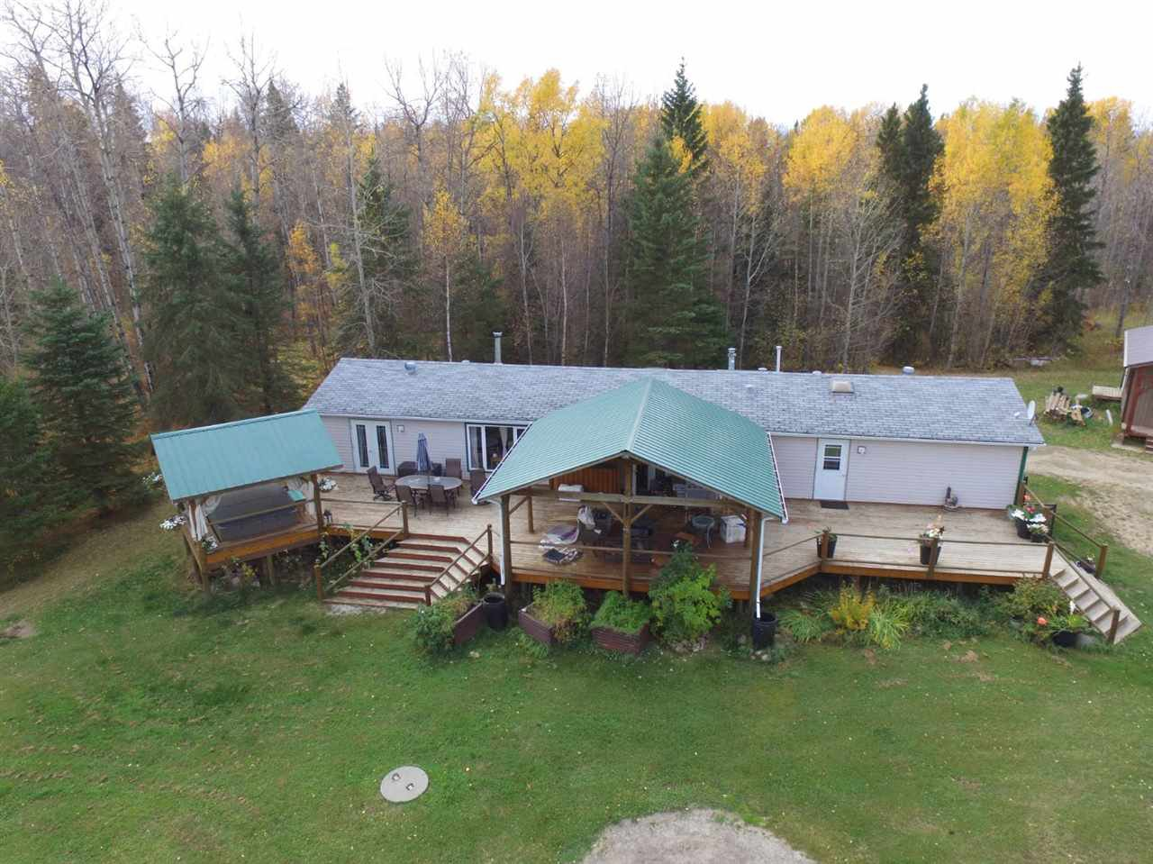 Main Photo: 56010 Rge Rd 43: Rural Lac Ste. Anne County Manufactured Home for sale : MLS®# E4218158