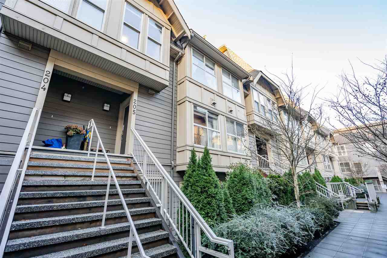 "Main Photo: 205 2110 ROWLAND Street in Port Coquitlam: Central Pt Coquitlam Townhouse for sale in ""AVIVA ON THE PARK"" : MLS®# R2521189"