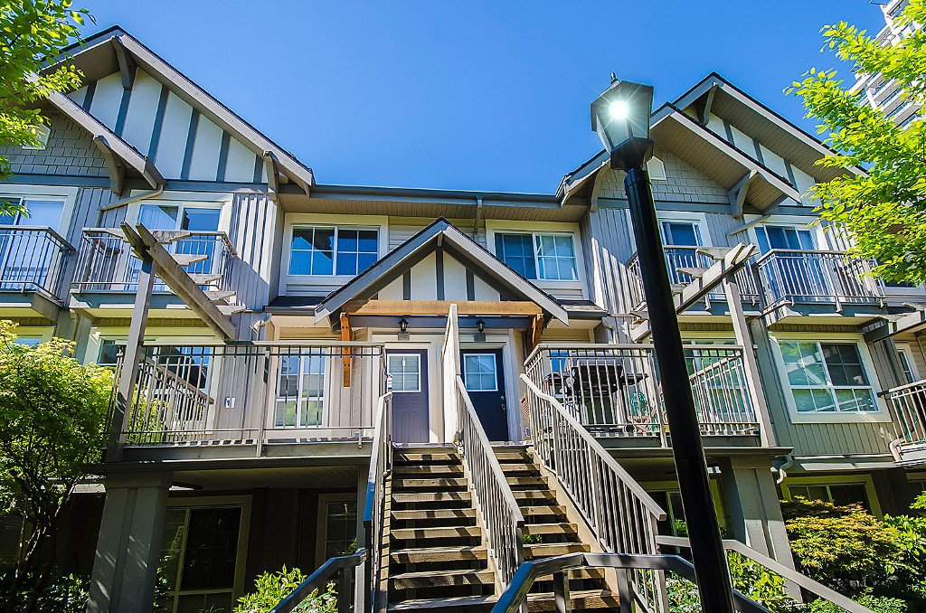 Main Photo: 49 7088 17th Avenue in Burnaby: Edmonds BE Townhouse for sale (Burnaby East)  : MLS®# V1117543