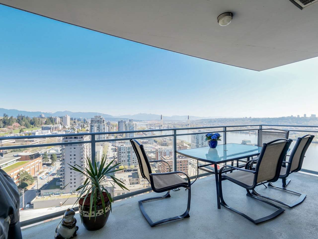"""Main Photo: 3306 888 CARNARVON Street in New Westminster: Downtown NW Condo for sale in """"MARINUS"""" : MLS®# R2053653"""