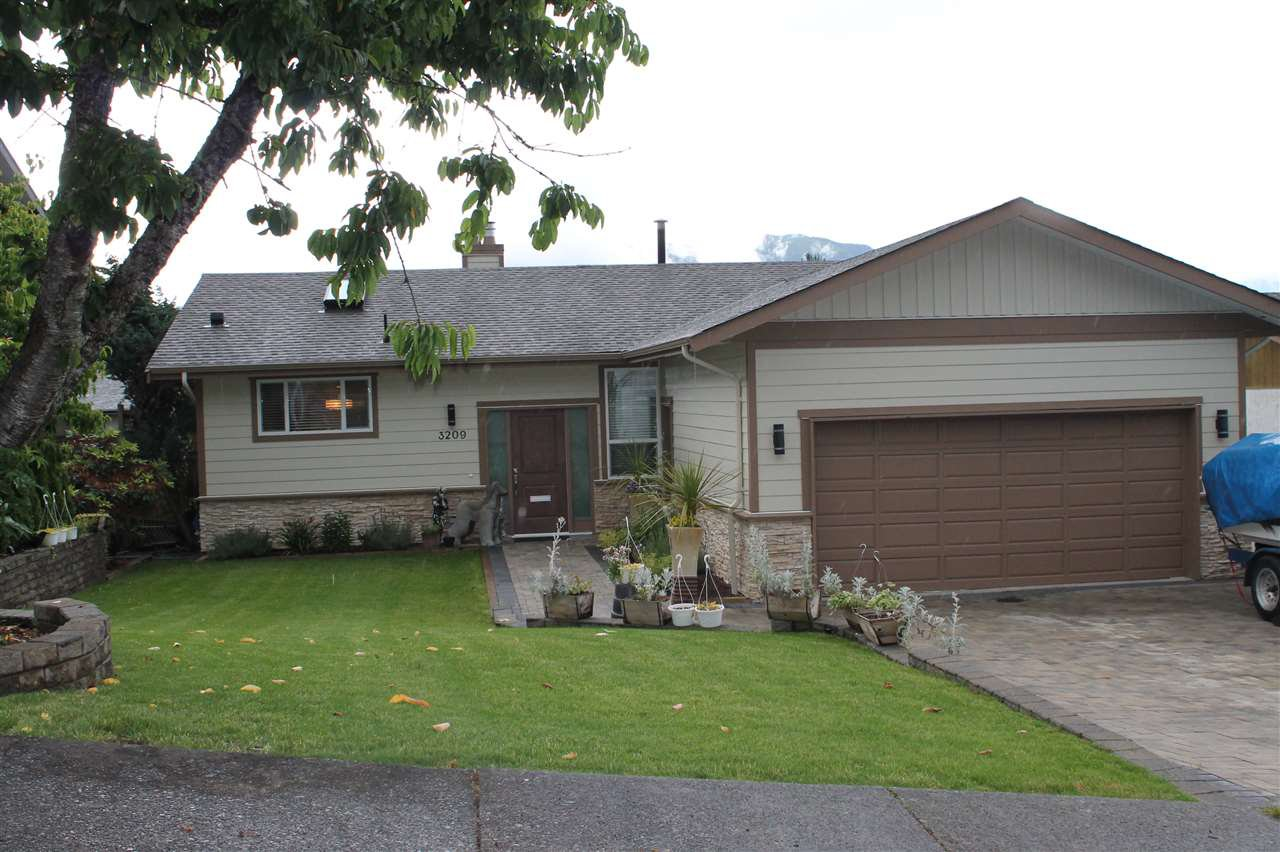 "Main Photo: 3209 CAPSTAN Crescent in Coquitlam: Ranch Park House for sale in ""RANCH PARK"" : MLS®# R2080856"