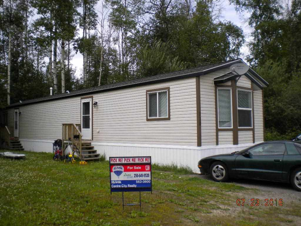 "Photo 1: Photos: 110 6100 O'GRADY Road in Prince George: St. Lawrence Heights Manufactured Home for sale in ""ST LAWRENCE HEIGHTS"" (PG City South (Zone 74))  : MLS®# R2094214"