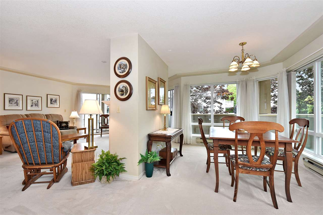 """Photo 9: Photos: 254 8611 ACKROYD Road in Richmond: Brighouse Condo for sale in """"TIFFANY GRAND"""" : MLS®# R2127148"""