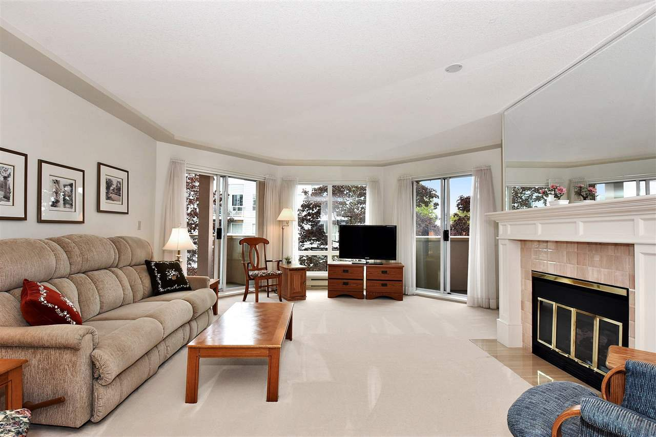"""Photo 3: Photos: 254 8611 ACKROYD Road in Richmond: Brighouse Condo for sale in """"TIFFANY GRAND"""" : MLS®# R2127148"""