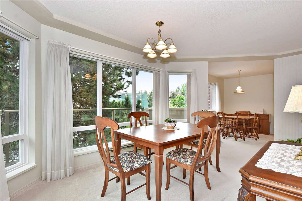 """Photo 7: Photos: 254 8611 ACKROYD Road in Richmond: Brighouse Condo for sale in """"TIFFANY GRAND"""" : MLS®# R2127148"""