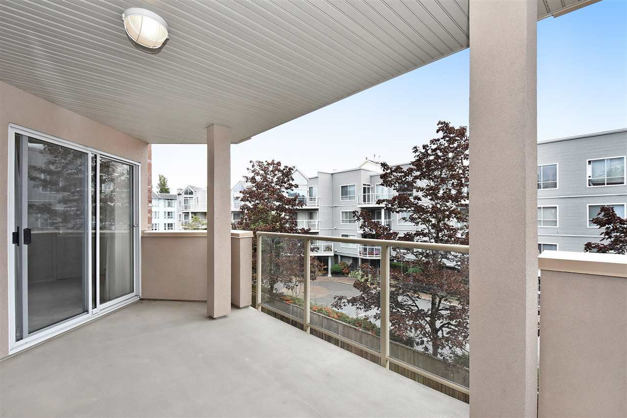 """Photo 18: Photos: 254 8611 ACKROYD Road in Richmond: Brighouse Condo for sale in """"TIFFANY GRAND"""" : MLS®# R2127148"""