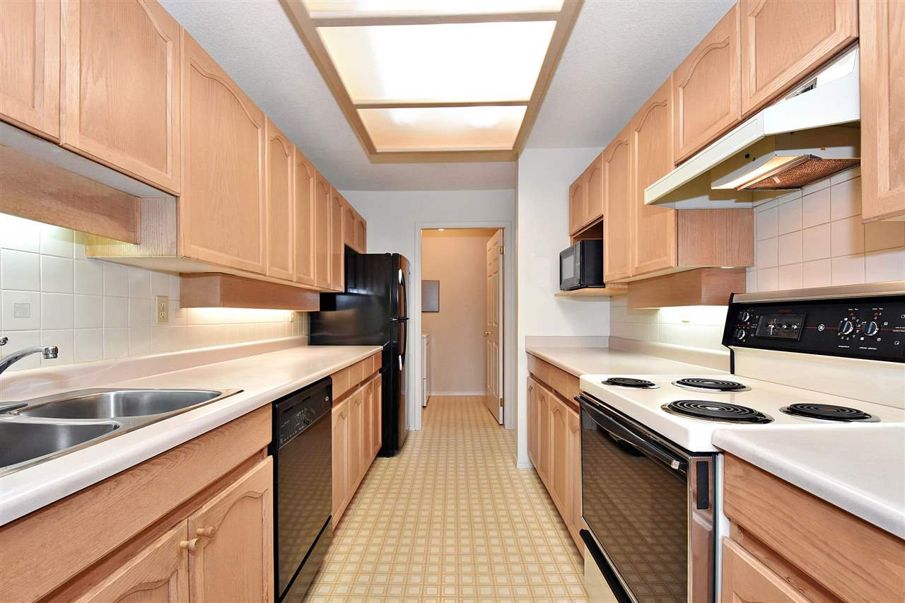 """Photo 10: Photos: 254 8611 ACKROYD Road in Richmond: Brighouse Condo for sale in """"TIFFANY GRAND"""" : MLS®# R2127148"""