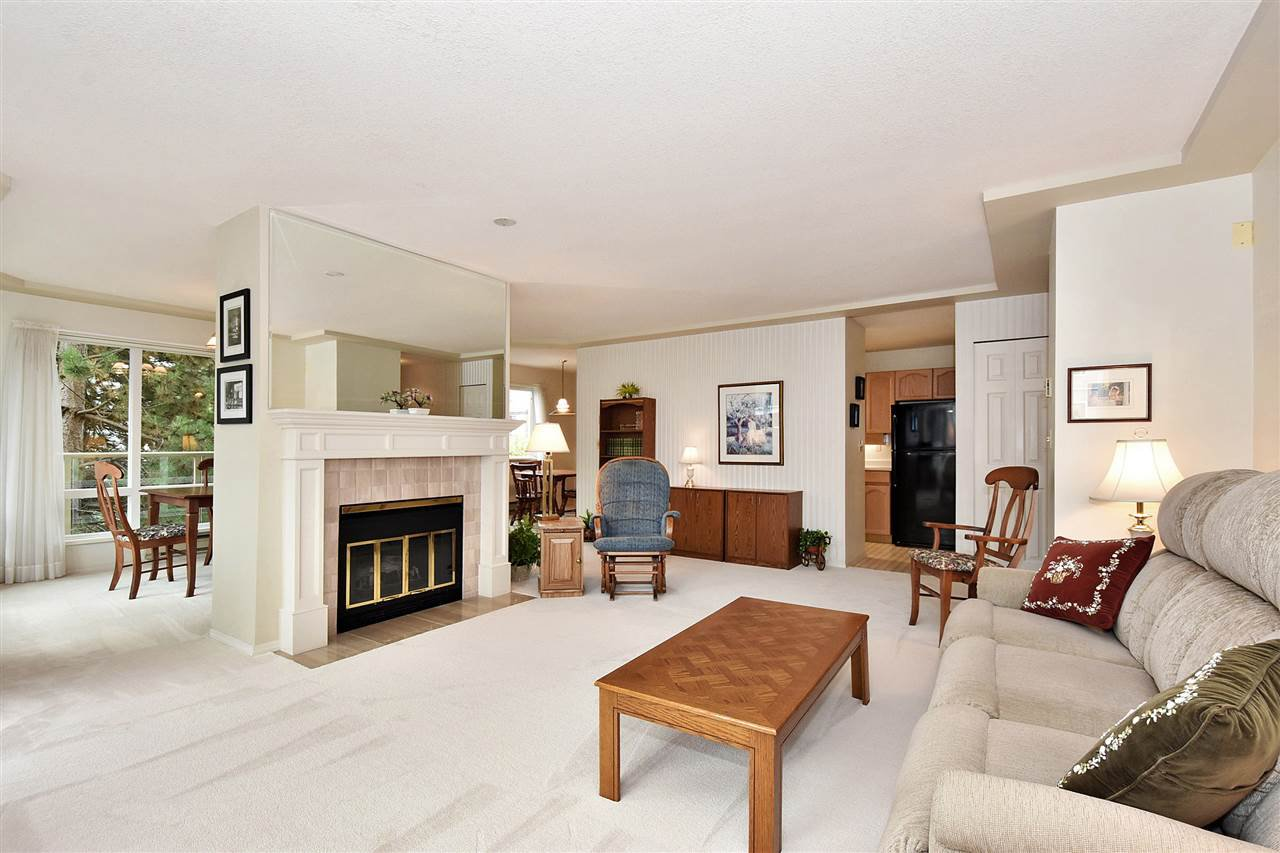 """Photo 6: Photos: 254 8611 ACKROYD Road in Richmond: Brighouse Condo for sale in """"TIFFANY GRAND"""" : MLS®# R2127148"""