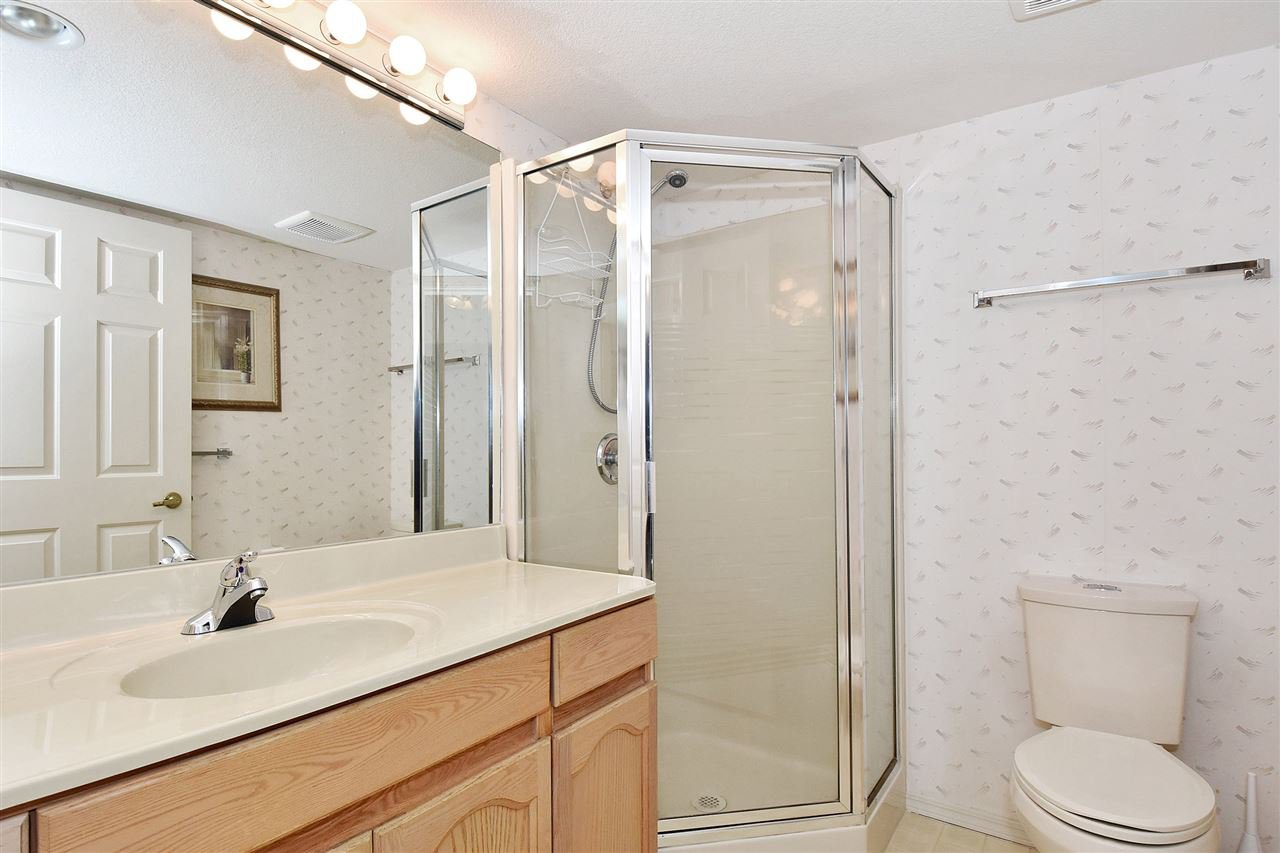 """Photo 17: Photos: 254 8611 ACKROYD Road in Richmond: Brighouse Condo for sale in """"TIFFANY GRAND"""" : MLS®# R2127148"""