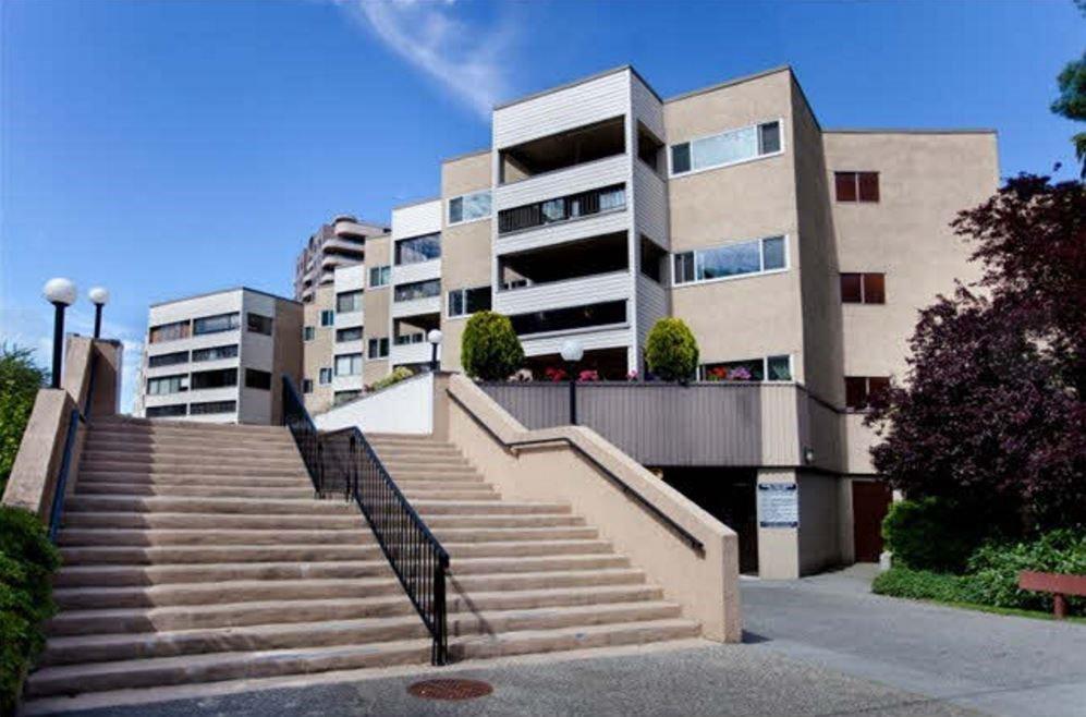 "Main Photo: 218 8291 PARK Road in Richmond: Brighouse Condo for sale in ""CEDAR PARK MANOR"" : MLS®# R2128411"