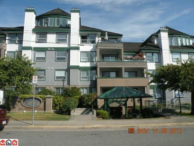 Main Photo: 202 1576 MERKLIN STREET in : White Rock Condo for sale : MLS®# F1223362