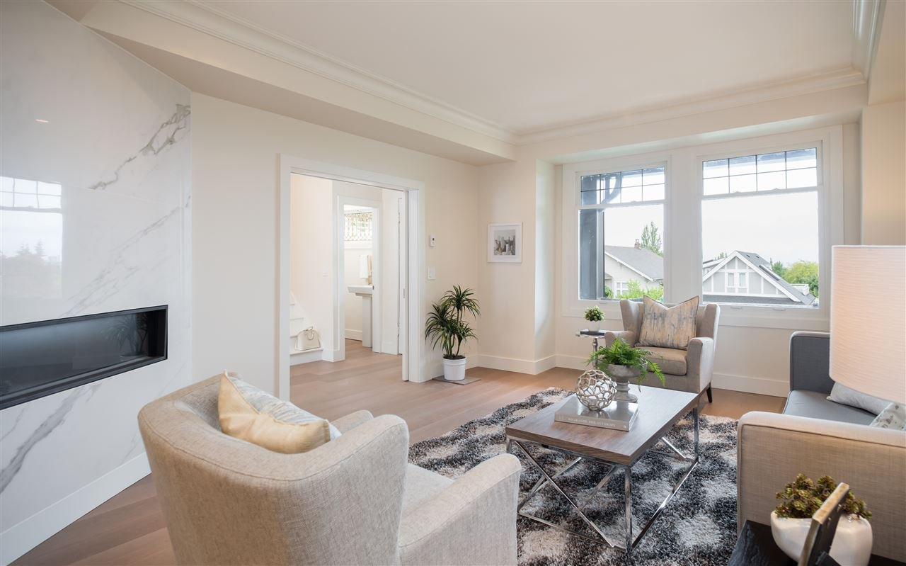 Photo 2: Photos: 3768 W 12TH Avenue in Vancouver: Point Grey House for sale (Vancouver West)  : MLS®# R2152288