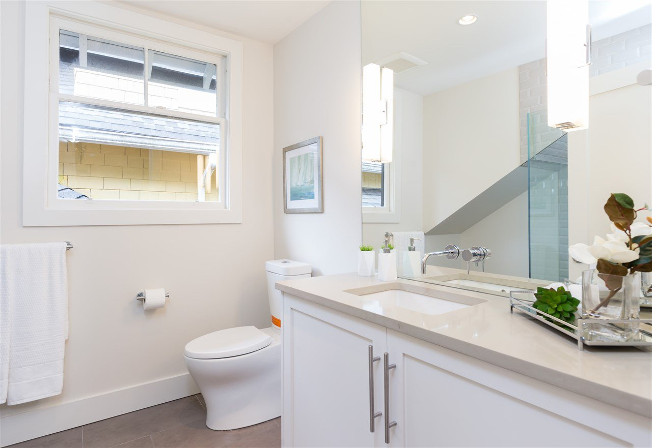 Photo 12: Photos: 3768 W 12TH Avenue in Vancouver: Point Grey House for sale (Vancouver West)  : MLS®# R2152288